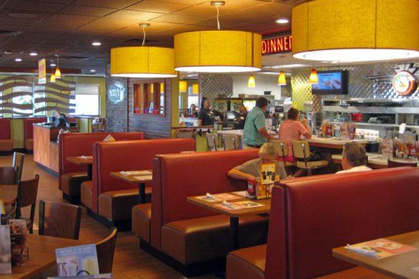 Denny's Reidville Rd_Dining